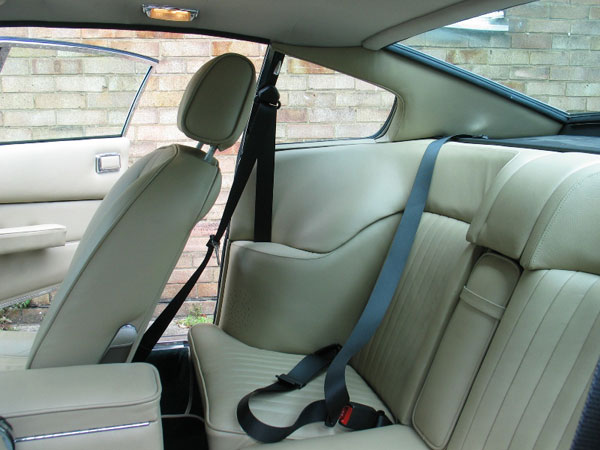 Aston Martin V Vantage Seat Belts