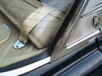 Rover P5 3.5 Coupe Seat Belt in Parcel Shelf